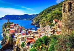 Amazing view of colorful village Vernazza in Cinque Terre   10 Little Towns You Must Visit in Italy