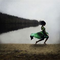 Photos surréalistes par Kylli Sparre - Journal du Design