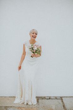 Hochzeit Winterstellgut - Hochzeitskleid Feinstens.  #winterstellgut #feinstens #feinstensbraut #ruedeseine #boho #bohobride #realbride Location, Winter, Boho, Wedding Dresses, Fashion, Rue De Seine, Dress Wedding, Marriage Dress, Gowns