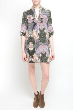 RONEN DRESS from Walter Baker. 100% Polyester Button Tabs On Sleeve Ancient Fern $188