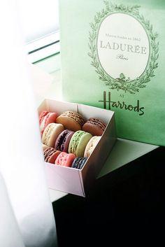 #harrods#macarons#laduree #sweet