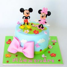 Tort Mickey and Minnie - Tort Design Mini Mouse Cake, Mickey Mouse Clubhouse Cake, Mickey And Minnie Cake, Bolo Minnie, Minnie Mouse Birthday Cakes, Mickey Cakes, Mickey Mouse And Friends, Disney Mickey, Baby 1st Birthday Gift