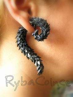 Fake ear tentacle gauges Tail of the Dragon от RybaColnce Polymer Clay Projects, Polymer Clay Creations, Polymer Clay Art, Polymer Clay Earrings, Fake Gauges, Metal Clay Jewelry, How To Make Earrings, Ear Piercings, Etsy