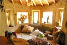 must have pillow room. maybe the restaurant will be a giant pillow room! Earthship, Cob Building, Building A House, Green Building, Cob House Interior, Live In Style, Pillow Room, Natural Homes, Fantasy House