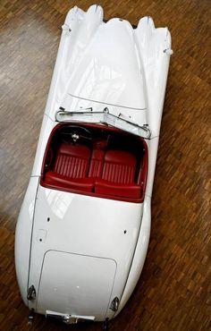Jaguar XK120.