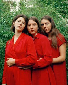 Lauren Maccabee took stunning portraits of nine sets of sisters and three sets of identical twins. Sister Photography, Image Photography, Fashion Photography, Sisters Images, Youth Culture, Stella Mccartney Adidas, Bridesmaid Dresses, Wedding Dresses, Brunette Hair