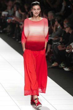 Issey Miyake ready-to-wear spring/summer '14 gallery - Vogue Australia