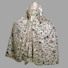 An exquisite example of a Colonial American robe a la francaise with they type of flower patterns that I love from India.