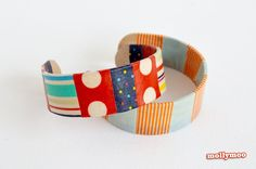 These are made with Popsicle sticks and washi tape. Seems like a really fun craft to do with kids.ie - Quick Craft: Craft Stick Bracelets Popsicle Stick Bracelets, Popsicle Stick Crafts, Popsicle Sticks, Craft Stick Crafts, Craft Sticks, Kids Crafts, Easy Crafts To Make, Tape Crafts, Arts And Crafts