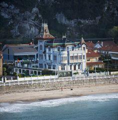 Hotel Villarosario Playa Ribadesella Asturias Spain Dream Vacation Spots, Dream Vacations, Places In Spain, Places To Visit, Asturian, Indiana, Asturias Spain, Spain Travel, Best Hotels