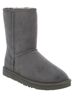 UGG AUSTRALIA 'Classic' boot #uggaustralia #covetme