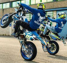 Motorcycle Dirt Bike, Dirt Bike Girl, Moto Bike, Bmx, Enduro Motocross, Motard Bikes, Motocross Love, Cool Dirt Bikes, Motogp Valentino Rossi
