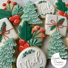 Noel Christmas, Christmas Goodies, Christmas Desserts, Christmas Treats, Fancy Cookies, Iced Cookies, Royal Icing Cookies, Christmas Sugar Cookies, Holiday Cookies