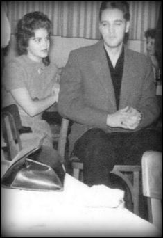 ♡♥Elvis Presley 24 with girlfriend 14 yr old Priscilla in 1959♥♡