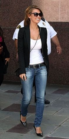 Always a good go-to casual look. Audrina Patridge In Blazer, Jeans And Heels Blazer Jeans, Look Blazer, Jeans Heels, Blazer Jacket, Casual Blazer, Casual Jeans, Denim Pants, Black Blazer With Jeans, Sweater Jacket
