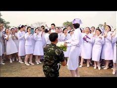 ทหาร เซอร์ไพส์ แฟนพยาบาล ขอแต่งงาน
