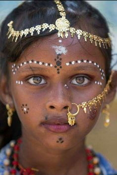 World cultures People around the world Beautiful eyes Beautiful people Beauty around the world Interesting faces Cultures Du Monde, World Cultures, Beautiful Eyes, Beautiful People, People Around The World, Around The Worlds, Foto Real, Tribal People, Beauty Around The World