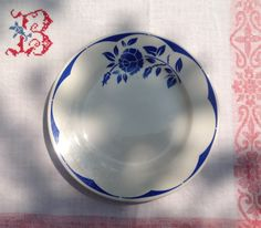 My love of red white and blue french vintage assiettes from Digoin Sarregumines continues!!
