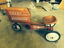 Vintage Sears 1 Ton Pedal Tractor: