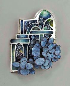 Linda-Darty-brooch, garden badge series