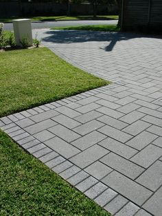 Astonishing rock driveway - have a look at our page for even more creative concepts! Garden Ideas Driveway, Driveway Landscaping, Landscaping With Rocks, Garden Gates, Brick Driveway, Driveway Design, Concrete Backyard, Backyard Patio, Pavers Patio