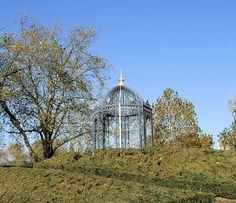 The Queen's Garden Gazebo, Kew Gardens, London. by Jim Linwood, via Flickr