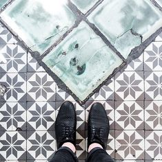 Let this Instagram Dedicated to Parisian Floors be your new City Guide