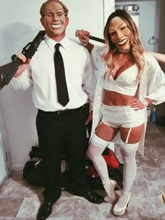 Try this Halloween Purge Couple Costume 2019 Couples Halloween Outfits, Unique Couple Halloween Costumes, Halloween Film, Cute Halloween, Halloween 2018, Hot Couple Costumes, Aladdin Costume, Turquoise Clothes, Funny Dresses