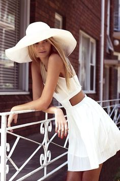 White sun hat, how amazing