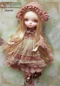 """Custom Blythe Gallery [Pray for Revival """"Blythe Outfit Blythe & custom graphics] [Jabberwock"""