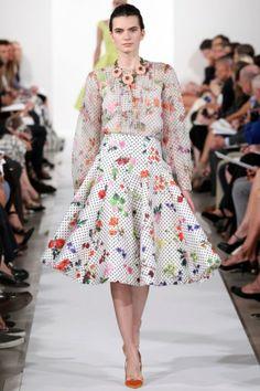 Oscar de la Renta Spring 2014 RTW Collection wypikowana tkanina też by się tak układała - musi być lekka!