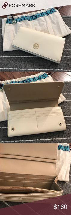 Tory Burch Envelope Continental Wallet Perfect condition! Brand new! Used 2x Tory Burch Bags Wallets