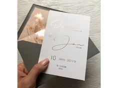 Svatební oznámení se zlatým, stříbrným nebo rose gold písmem. Rose Gold, Lettering, Wedding, Valentines Day Weddings, Drawing Letters, Weddings, Marriage, Chartreuse Wedding, Brush Lettering