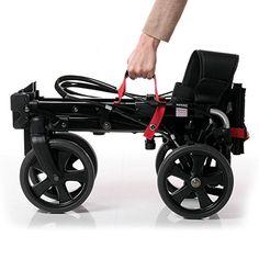 Mit demMove-X von Osannmöchten wir einen fortschrittlichen Rollator vorstellen, der über einepatentierte Falttechnik verfügt, die es dem Nutzer ermöglicht den Rollator auf ein äusserst keines Maß zusammen zu falten. Darüber hinaus besitzt er einen Tragegriff, sodass er sich ganz unkompliziert verstauen lässt. Sei es nun in einer Ecke innerhalb der Wohnung oder für den Transport im Kofferraum.   #Gehilfe #Gehwagen #Preise #Rollator #Sicherheit