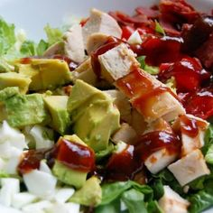 BBQ Chicken Cobb Salad - Low-Calorie Recipes: Breakfast, Lunch, Dinner, and Dessert for Under 400 Calories - Shape Magazine 400 Calorie Lunches, Meals Under 400 Calories, No Calorie Foods, Low Calorie Recipes, Low Calories, Diet Foods, Healthy Salad Recipes, Vegan Recipes, Cooking Recipes