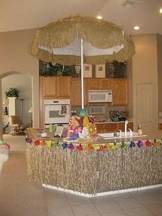 Hawaiian luau party decorations luau themed balloon for Tropical themed kitchen