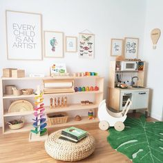 Ideas and tips to implement a Montessori bedroom for your baby or toddler. What are the main Montessori principles to set up a Montessori bedroom ? Montessori principles are primarily centered on the needs of the child, including his desire to … Playroom Design, Playroom Decor, Kids Room Design, Modern Playroom, Playroom Ideas, Modern Bedroom, Playroom Shelves, Kids Decor, Bookshelves