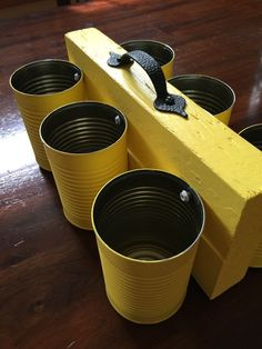 17 Amazing Things to Make With Empty Tin Cans tin can utensil caddy Tin Can Crafts, Diy Home Crafts, Wood Crafts, Diy Home Decor, Crafts With Tin Cans, Utensil Caddy, Utensil Holder, Recycled Tin Cans, Recycled Crafts