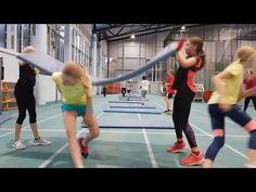 Aufwärmen und Kräftigen mit Mattenbahnen - Teil 2 - YouTube Taekwondo, Physical Education, Volleyball, Physics, Activities For Kids, Youtube, Athlete, Wrestling, Games