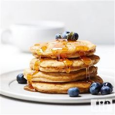 Breakfast just got more delicious with this recipe for Granola Peanut Powder Pancakes from Jif®. Jif Peanut Butter, Peanut Butter Recipes, French Toast Waffles, Pancakes And Waffles, Healthy Cat Treats, Healthy Desserts, Healthy Dishes, Healthy Eating, Delicious Breakfast Recipes