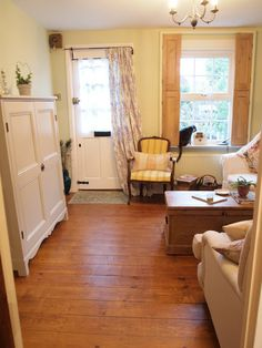 A Cottage in Totteridge GORGEOUS! Love the floors~!