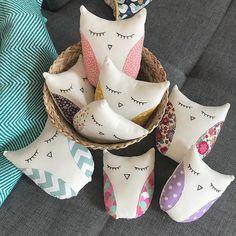 Envolée de petites chouettes  À retrouver sur la boutique en ligne (lien sur ma page) #despetitsdoigts #faitmain #handmade #decobebe #chambrebebe #famillechouettes #bebe2018 #grossesse #enceinte #cadeaubebe