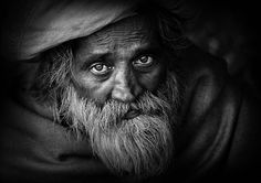 24 Powerful Black and White Portraits That Speak to Your Soul - a collection of images to make you pause, enjoy, and think. See the true power of black and white in these portraits. Natural Light Photography, Love Photography, Portrait Photography, We Are The World, People Of The World, Lion Pictures, Human Art, Human Faces, Best Portraits