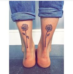 location only for mother/daughter tatoo Bad Tattoos, Dream Tattoos, Sister Tattoos, Cute Tattoos, Beautiful Tattoos, Body Art Tattoos, Small Tattoos, Ankle Tattoos, Sunflower Tattoos
