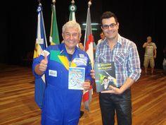 Há 3 anos o astronauta brasileiro Marcos Pontes recebia o gibi Brasilzinho Astronomia