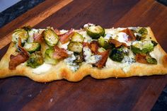 bacon, brussels and bleu pizza
