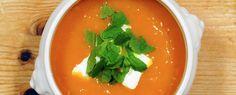Gewoon wat een studentje 's avonds eet: Soepie! - Pompoen- en paprikasoep met kwark en munt
