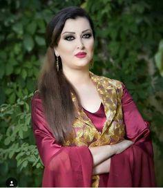 Beautiful Arab Women, Beautiful Hijab, Arabian Beauty Women, Iranian Beauty, Country Women, Beautiful Bollywood Actress, Girl Hijab, Indian Beauty Saree, Celebrity Dresses