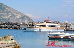Giovedì 6 giugno, portiamo in barca tutti gli ospiti per un meraviglioso giro dell'isola alla scoperta di calette irraggiungibili via terra...