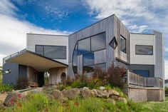 Book Southern Tasmania accommodation with Stayz, home to over holiday houses Australia-wide. Holiday Ideas, Destinations, Homes, Luxury, Outdoor Decor, Kitchen, Wedding, Travel, Home Decor